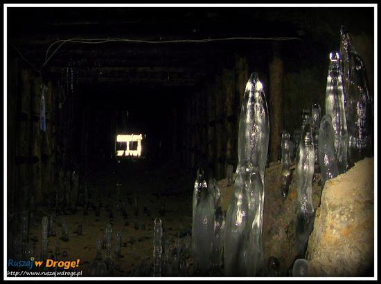 osówka - formy naciekowe: stalaktyki i stalagmity