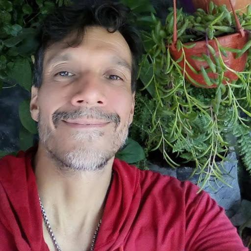 Eusebio Sanchez Photo 14