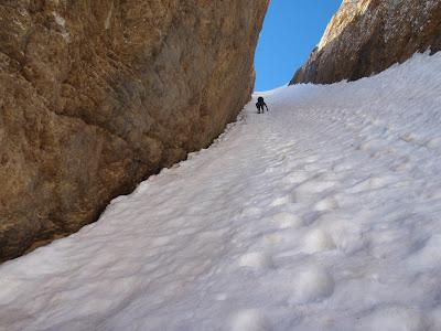 Enfilant el primer corredor de neu