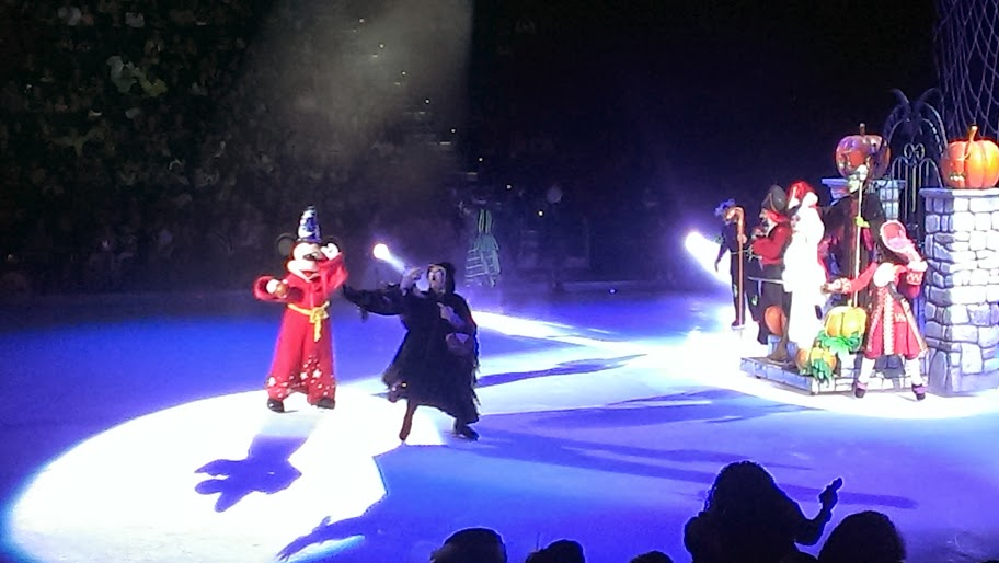 IMAG5050 Disney on Ice   Lets Celebrate {Review}