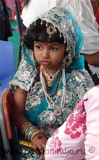 Индийский этнический костюм для девочки