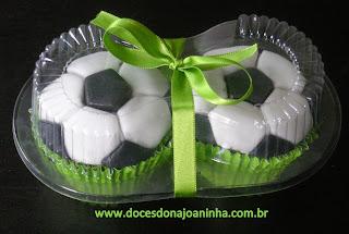 cupcake bola de futebol time de futebol dia dos namorados dia dos pais