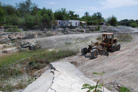 Rehabilitación de puente-vado en la colonia Lozano