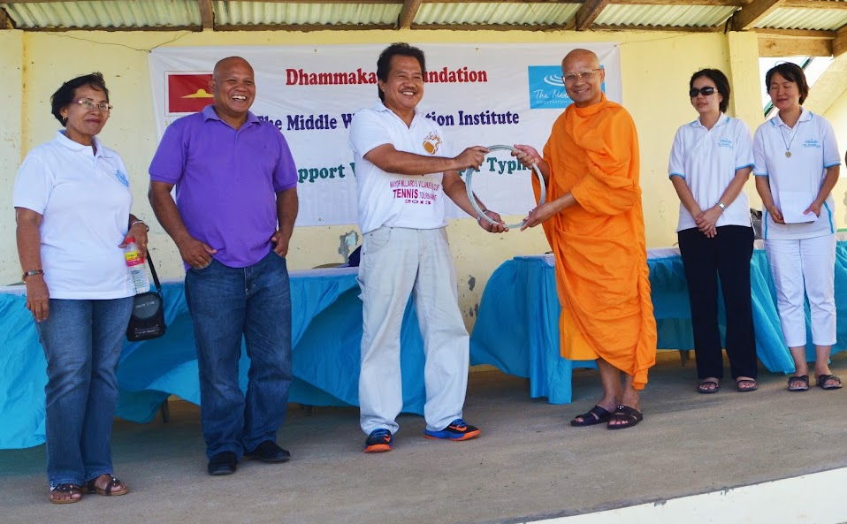 Thai monk Ven. Ekachai Katapunyo helps Concepcion school