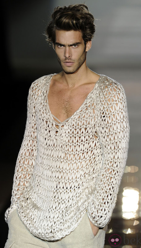 Jon Kortajarena for Roberto Verino, Madrid Fashion Week, 9.16.11 | Image credit TBD