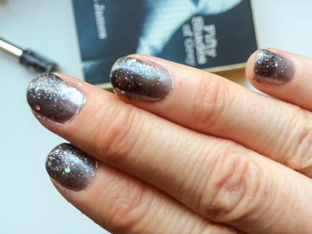 silver-glitter-manicure