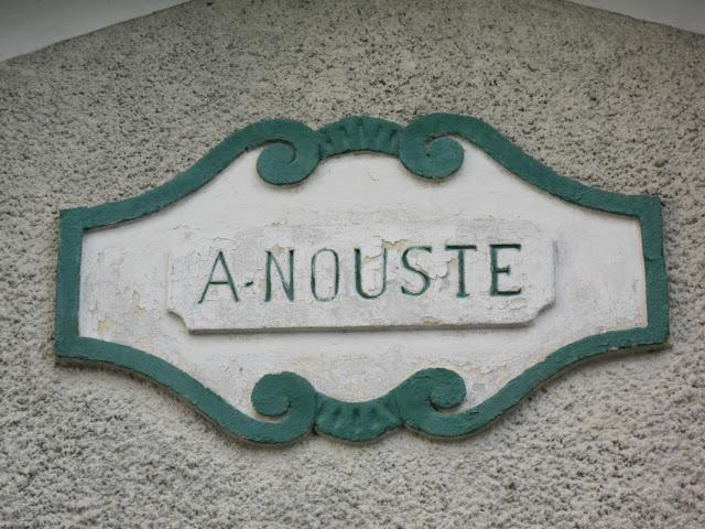 A Nouste