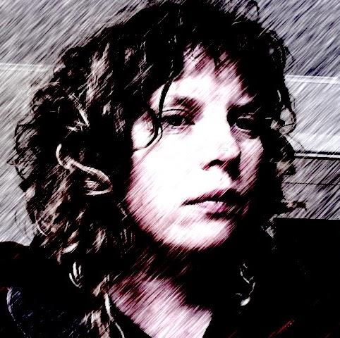 Melanie Clarke Photo 26