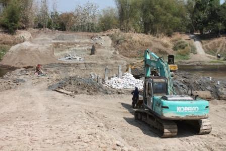 berita lelang LPSE Ngawi terkait pembangunan jembatan ngancar