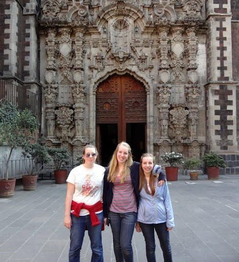 Adrienne, Allison, and Amy in Mexico City