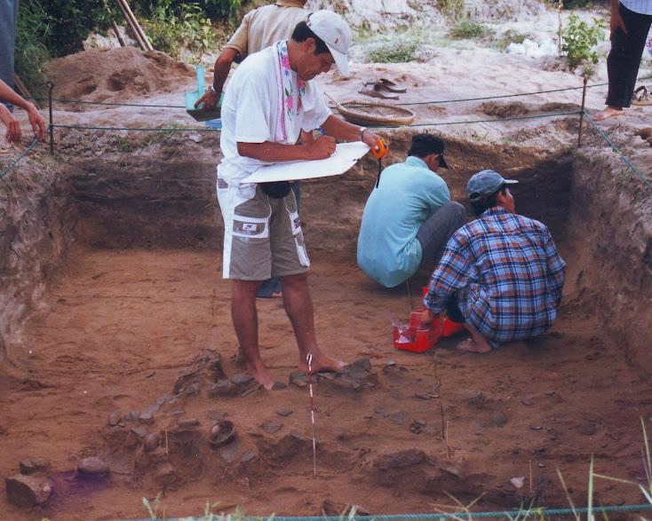 Khai quật di chỉ khảo cổ Bãi Ông