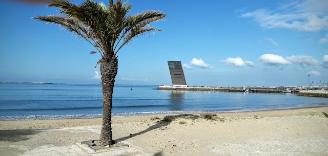 Algés beach