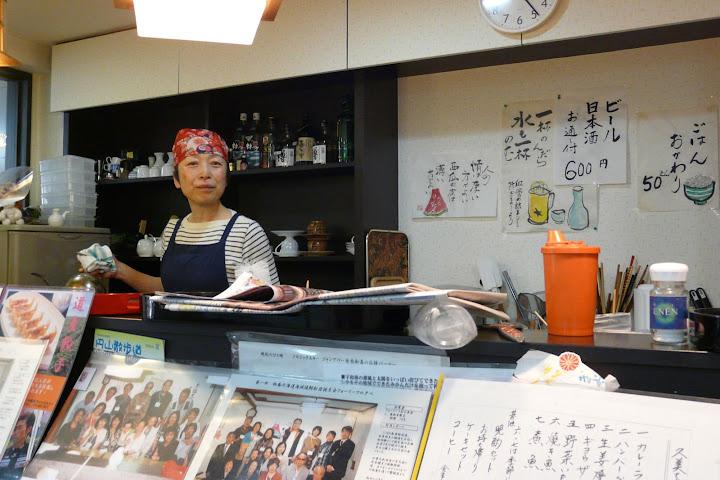 写真:「ふぁみーる食堂」店内