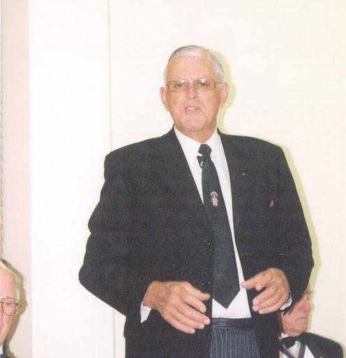 Ken Hall Photo 25