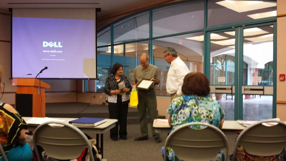 Gene Fernandez Presenting at RGVHGS Award