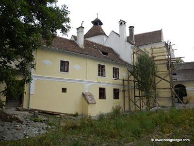 Die Fassade der Burghüterwohnung wird komplett saniert
