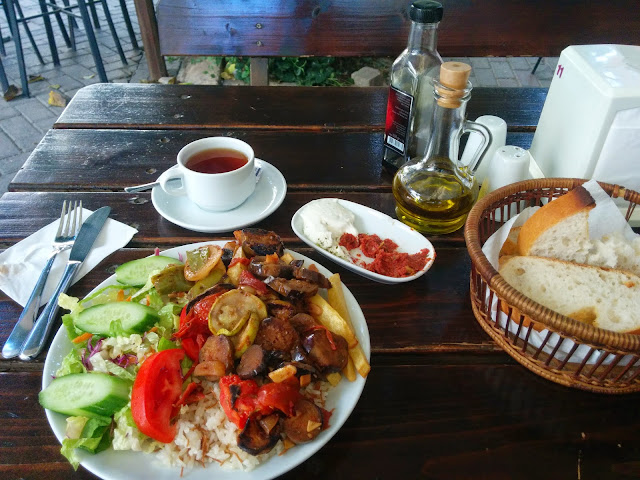 A Kizartma meal at Selcuk, Turkey