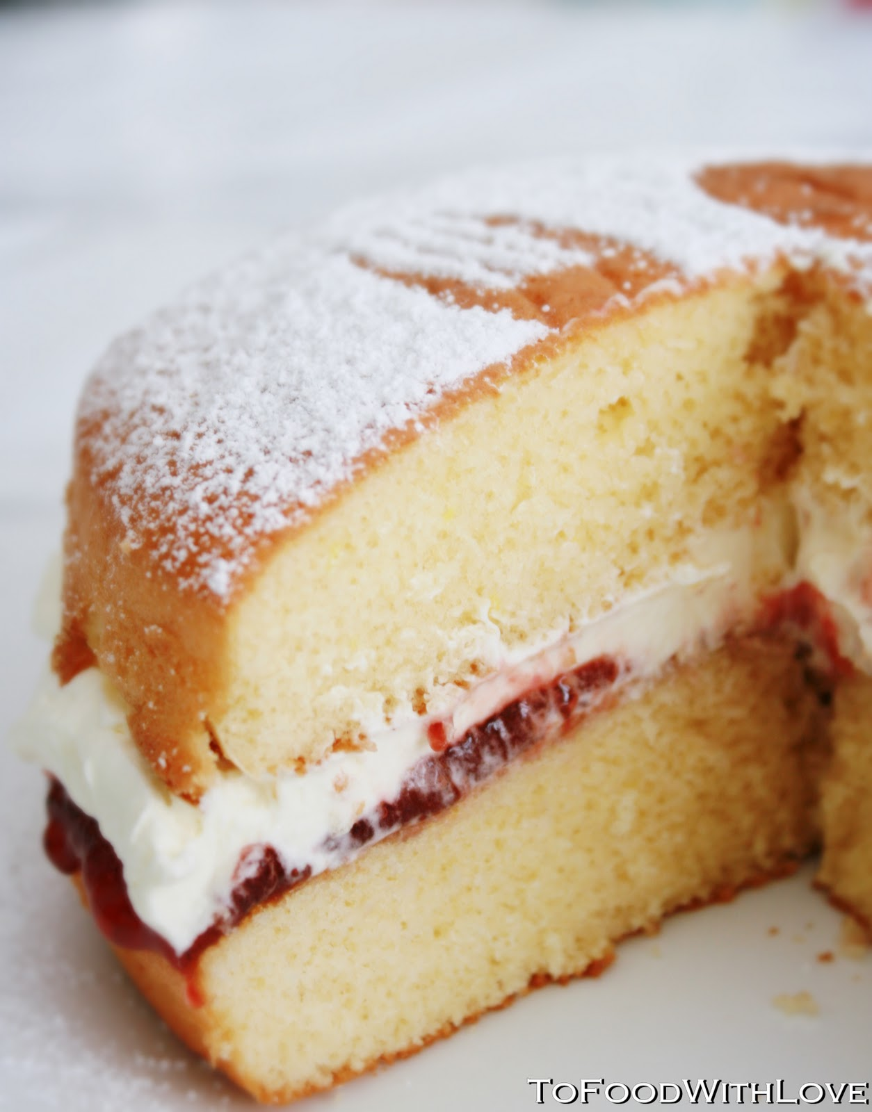 To Food with Love: Quick & Easy Lemon Sponge