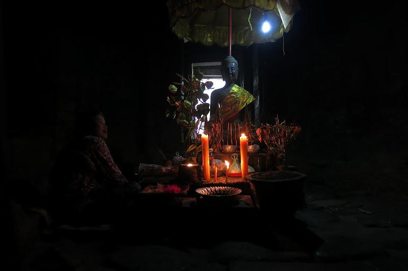 Buddha altar inside Bayon