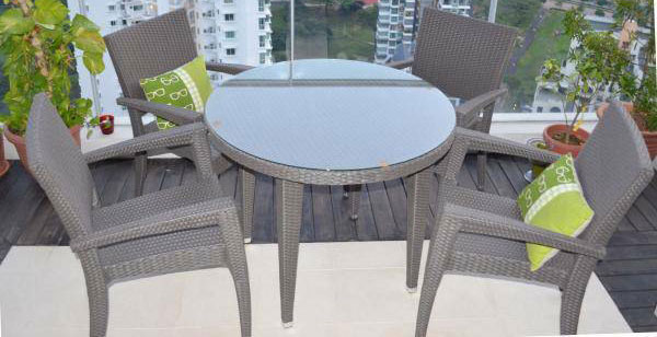 Round Glass Top Rattan Table With Chairs