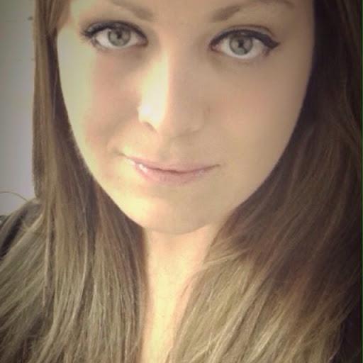 Natalie Dickson Photo 17