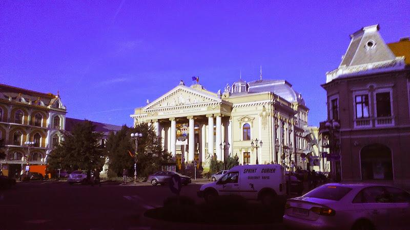 Programul lunii aprilie 2015, Teatrul de stat regina Maria #1
