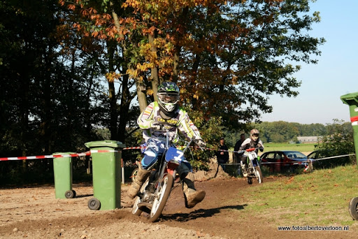 Bromfietscross Circuit Duivenbos overloon 15-10-2011 (41).JPG