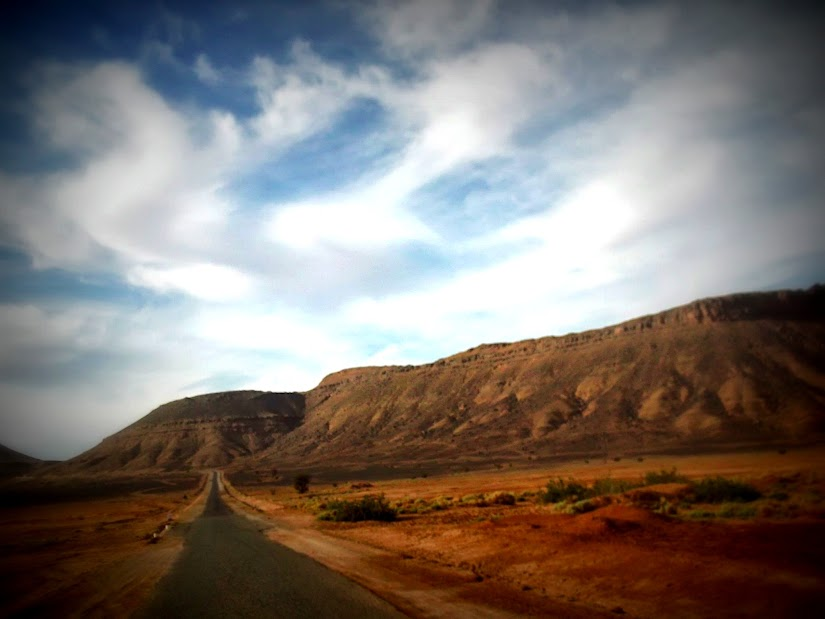 Marrocos e Mauritãnia a Queimar Pneu e Gasolina - Página 12 DSCF1429