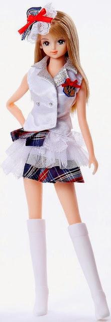 Búp bê Jenny Cô nàng Mirai mặc đồng phục thật duyên dáng và thanh lịch