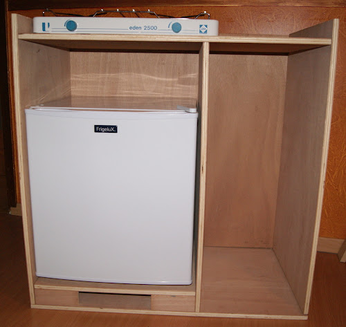 montage meuble frigo. Black Bedroom Furniture Sets. Home Design Ideas