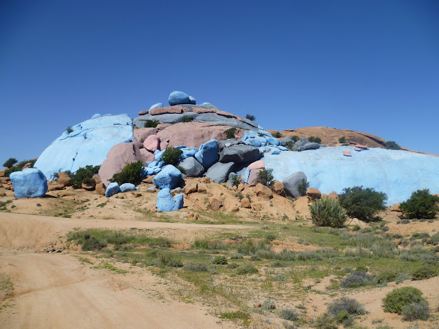 Painted rocks at Tafraoute