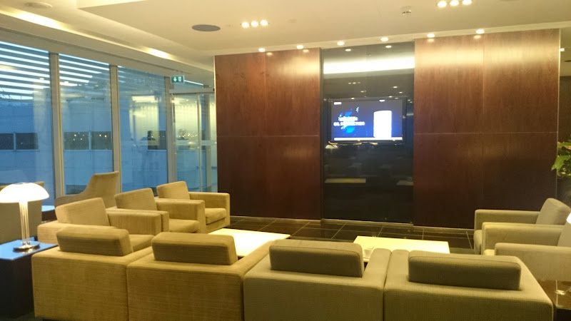 DSC 4576 - REVIEW - The Lounges of LHR T3 - EK, CX and BA (September 2014)
