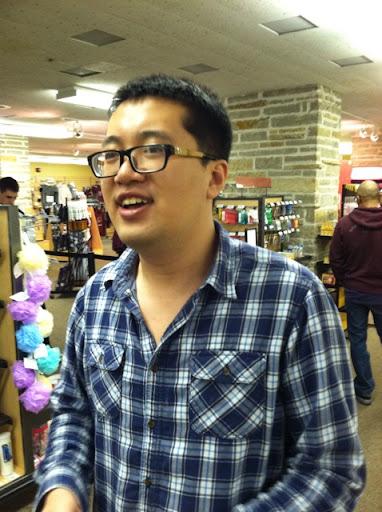 Yizhe Wang Photo 6