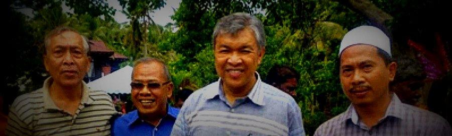 Bersama YB DS Dr. Zahid, YB ADUN Rungkup dan Bekas Ketua Polis Perak