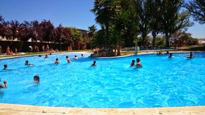 Melchor conde mar n alcalde de arriate apertura piscina for Piscina publica malaga