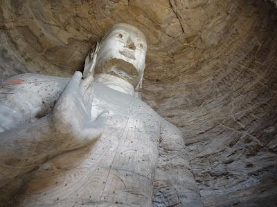 Buddha in den Yungang Grotten