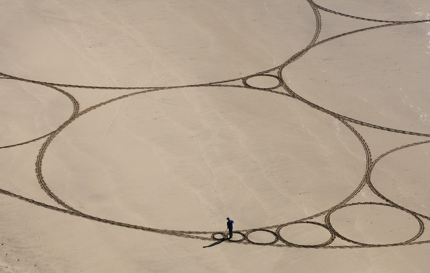 Jim Denevan's Majestic Drawings in Sand