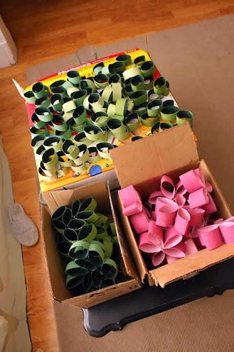 Rolos de papel higiênico coloridos