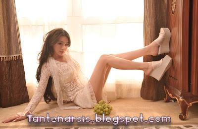 Foto Seksi Artis Cantik Zhang Xin Yu