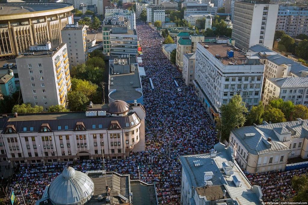 Москва, 2014. День празднования Ураза-Байрам.
