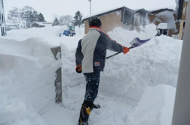 ベランダの雪はね