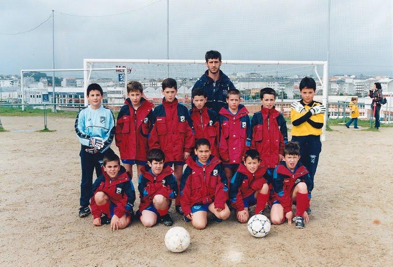 A.D.R. Numancia de Ares. Alevines 2001-2002 Juan (Adestrador) Adrián, Cristian, Alex Permuy, Jorge, Julio, Pedro, Alberto Dani, Coco, Cristian, Pablo, Jorge A Gándara (Ferrol)