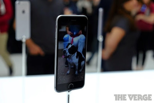 Cận cảnh bộ đôi iPhone 6 mới ra mắt