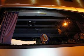Danneggiato nella notte il bus MPS. E Giorgio Armani cosa ne pensa?