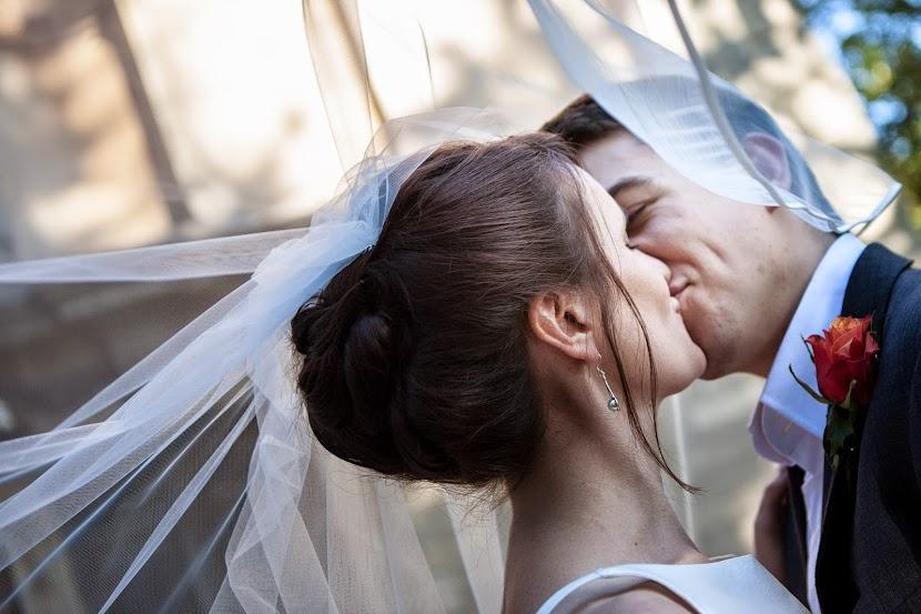 close-up-kiss