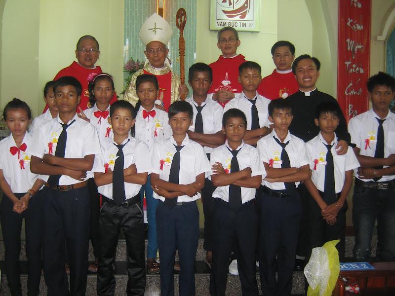 Thánh Lễ Ban Bí Tích Thêm Sức tại Giáo xứ Đồng Dài