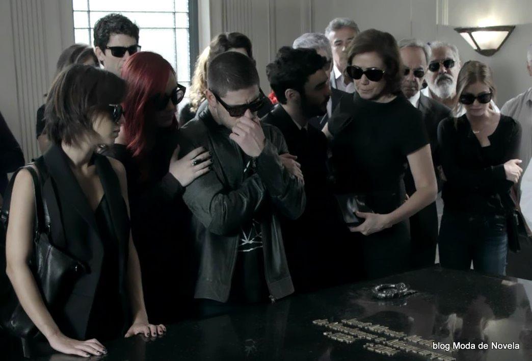 moda da novela Império, os óculos escuros no enterro do comendador José Alfredo