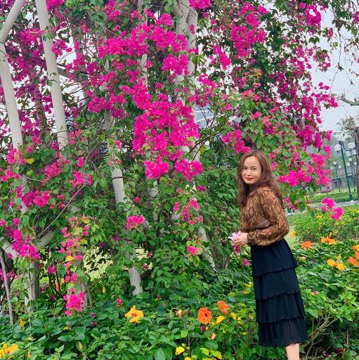 Jenny Pham Photo 23