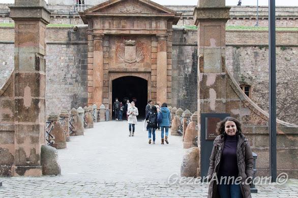 Montjuic kalesi girişi, Barselona