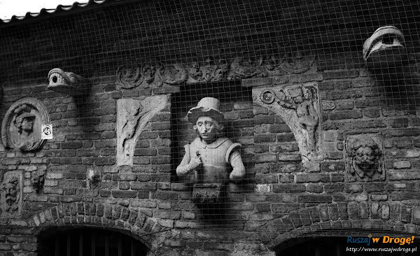 figury i żygacze w gdańskiej katowni